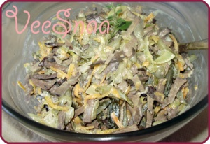 pechenochnyj-salat-s-morkovju-i-lukom-1