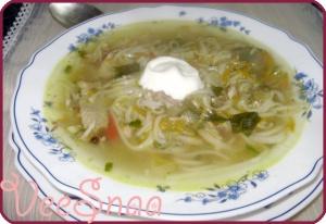 kurinyj-sup-s-lapshoj-recept-s-foto-1