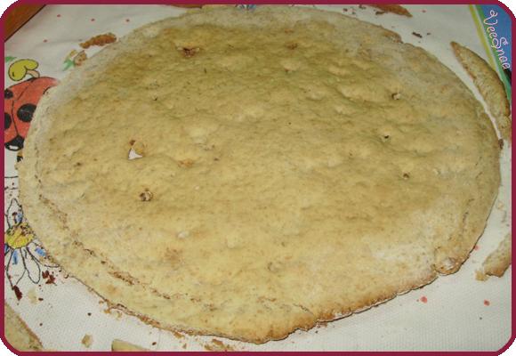 торт сережа, корж, полотенце, крышка, ровный круг