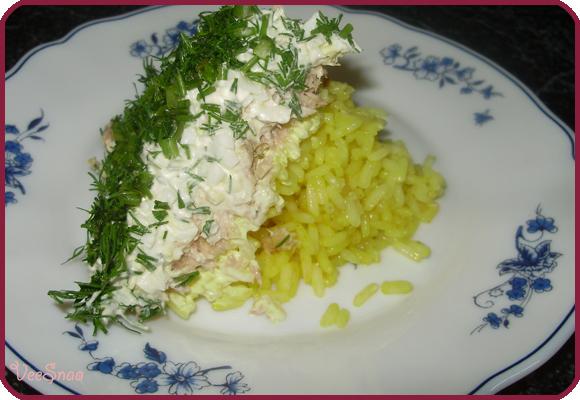 salat-mimoza-s-konservami-i-risom-2