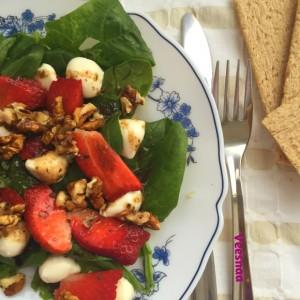 salat-so-shpinatom-vkusnyj-1
