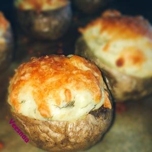 pechenyj-kartofel-s-syrom-1