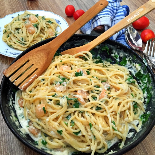 krevetki-v-slivochnom-souse-so-spagetti-4