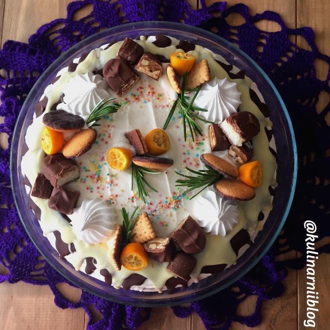 medovyj-tort-s-klubnikoj-5