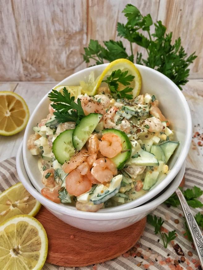 salat-iz-ogurcov-i-krevetok-1
