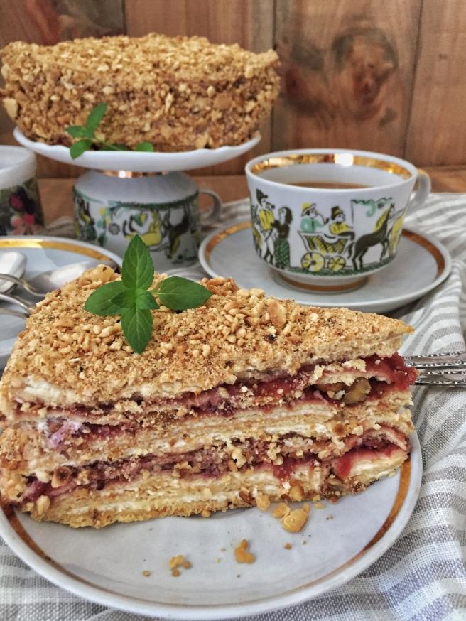 tort-medovik-na-skovorode-1