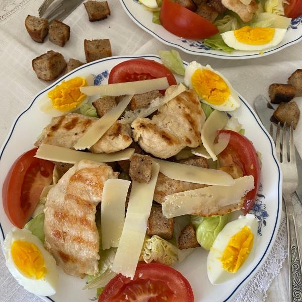 klassicheskij-salat-cezar.jpg?w=600&h=60